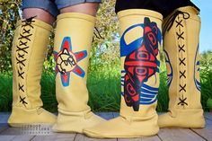It's Native, to Boot! Cree Nisga'a Clothing at NYC's Couture Fashion Week Native American Fashion, Native Fashion, Native Boots, Lone Ranger, Native Style, First Nations, Cherokee, Couture Fashion, Moccasins