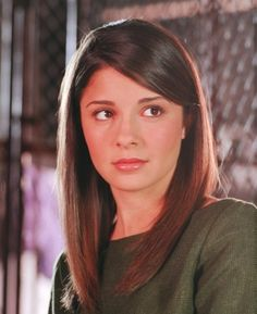 S1 Cast Individual - s1 sa8 - RoswellOracle's Roswell TV Show Gallery