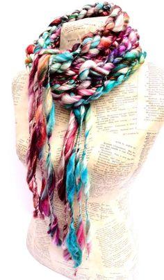 Knitting Yarn, Hand Knitting, Deer Halloween Costumes, Crochet Quilt, Crochet Hats, Gamine Style, Hand Knit Scarf, Chunky Wool, T Shirt Yarn
