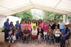 Landa de Matamoros, Qro. 08 de noviembre de 2016.- El Director del Sistema Municipal DIF Emmanuel Garay Chavarrías, personal del...