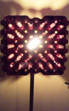 Eierdozen bewaar je voortaan niet alleen voor de kinderen; ze kunnen namelijk worden omgetoverd tot design lampenkap