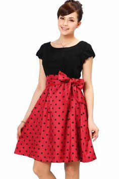 A Too Sweet And Cute Formal Maternity Dress!