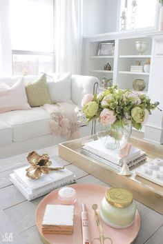 Blush & Green Spring Tour With Fresh & Faux Florals - Summer Adams - Blush & Green Spring Tour With Fresh & Faux Florals - My Living Room, Living Room Decor, Small Living, Modern Living, Style Anglais, Home Decoracion, Spring Home Decor, Living Room Inspiration, My New Room