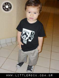Matteo com a camisa Toca Raul #LittleRock