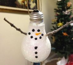 DIY Ornaments Lightbulb Snowman