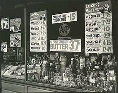 A & P (Great Atlantic & Pacific Tea Co.), 246 Third Avenue, Manhattan.. Abbott, Berenice -- Photographer. March 16, 1936