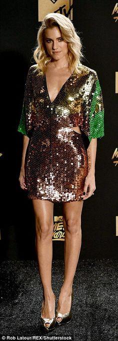 Allison Williams looks stunning at the MTV Movie & TV Awards