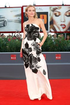 Black and white was anything but boring at a premiere for 11 Minutes thanks to Diane's Oscar de la Renta go...