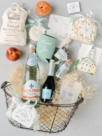 Welcome Gift Baskets for Charming, Southern Wedding in Atlanta, Georgia | #welcomegiftbasket #giftbasket #giftbasketideas #giftideas #weddingwelco