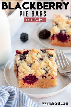Recipes Using Fruit, Summer Dessert Recipes, Dessert For Dinner, Healthy Dessert Recipes, Dessert Bars, Easy Desserts, Delicious Desserts, Breakfast Recipes, Blackberry Pie Bars