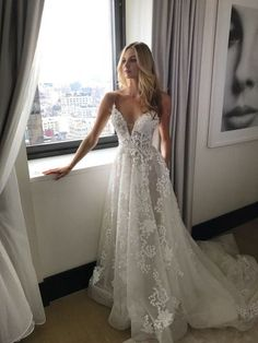 2017 New Arrival Wedding Dress,Charming A-Line Wedding Dresses,Long Appliques Wedding Dresses,Lace Wedding Dress