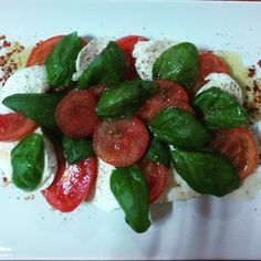 Caprese salad with a spicy kick
