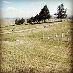 The last stand hill ...Little Bighorn #kialacamper #kialaontheroad #rvtrip #rvtravel #fbf #flashbackfriday #flashback #bighorne #littlebighorn #custer #usa #standoff #laststand #western #battlefield #nativeamerican #americanwest #oldwest