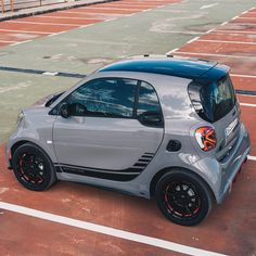design your new smart ✓ electric car ✓ better life in the city ✓ experience electric driving ✓ check out your new car today ✓ Small Electric Cars, Electric Power, Ev Truck, Best Small Cars, Personal Jet, E Mobility, Moped Scooter, Fiat 600, Cool Electronics
