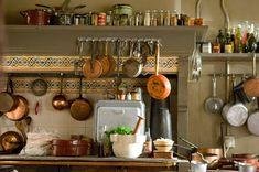 Trendy kitchen organization pots and pans julia childs 56 Ideas Homey Kitchen, Paris Kitchen, French Kitchen, Copper Kitchen, Kitchen Pantry, Kitchen Ideas, Kitchen Inspiration, Vintage Kitchen, Kitchen Store