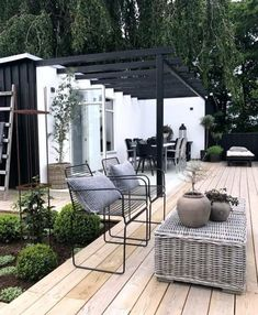 Pergola terrace roofing - our ideas to beautify your outdoor space! - New - Pergola terrace roofing – our ideas to beautify your outdoor space! Diy Pergola, Wooden Pergola, Pergola Kits, Small Pergola, Outdoor Pergola, Small Patio, Black Pergola, Pergola Carport, Pergola Curtains