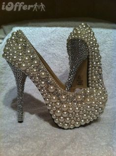These Custom Shoes would be great with an Antique Wedding Gown - Deringa Pearl Shoes, Bling Shoes, Glitter Shoes, Sparkle Shoes, Bridal Sandals, Bridal Shoes, Wedding Shoes, Diy Wedding, Plastic Shoes