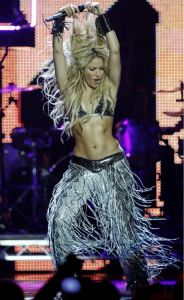 Shakira is so so hot! Look at that bod!
