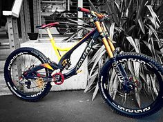 $10,000 Carbon Devinci Wilson w/ Fox Float 40 - John_Bamford's Bike Check - Vital MTB