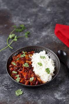 Chili sin carne (vegetariano) - Un pranzo al sole - Best Pins italian Chili Recipes, Vegetable Recipes, New Recipes, Vegetarian Chili Easy, Vegetarian Recipes, Easy Healthy Recipes, Easy Meals, Healthy Food, Vegan Food