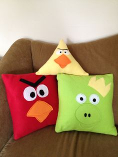 Made some great angry birds pillows for my little cousin!