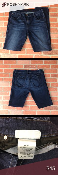 Joe's Jeans Size 30 Joe's Jeans  Men's  Slim fit  Waist: 30  Inseam: 33 Little flaw on leg. See picture Joe's Jeans Jeans Slim