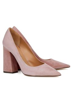 Buy high block heeled pumps with pointy toe in light pink suede. Pura Lopez, Shoes Online, Wedding Shoes, Block Heels, Marie, Kitten Heels, Pumps, My Style, Pink