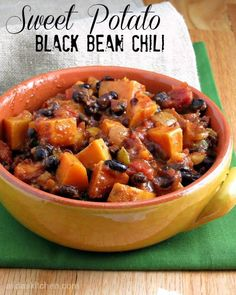 Potato Black Bean Chili Sweet Potato Black Bean Chili is a chunky, spicy chili with a hint of sweetness and a healthy one-pot meal.Sweet Potato Black Bean Chili is a chunky, spicy chili with a hint of sweetness and a healthy one-pot meal. Chili Recipes, Veggie Recipes, Vegetarian Recipes, Dinner Recipes, Cooking Recipes, Healthy Recipes, Sweet Potato Chili Vegetarian, Sweet Potato Chilli, Sweet Chili