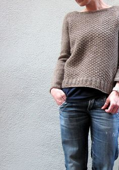 Knitting Patterns Sweaters Knitting Pattern Aibrean by Isabell Kraemer / Isabell Kraemer Pullover Sweater Pattern Raglan Simple … Jumper Patterns, Sweater Knitting Patterns, Knit Patterns, Knitting Pullover, Pullover Sweaters, Cardigans, Pullover Outfit, How To Purl Knit, Pulls