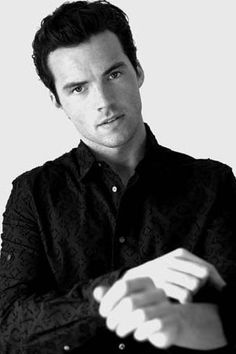 I chose Ian Harding as the King of Hearts because I think he is a quiet person, and so is the King of Hearts.