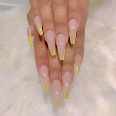 Want some ideas for wedding nail polish designs? This article is a collection of our favorite nail polish designs for your special day. Aycrlic Nails, Neon Nails, Yellow Nails, Swag Nails, Grunge Nails, Coffin Nails, Perfect Nails, Gorgeous Nails, Pretty Nails