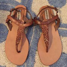 Steve Madden Braided T Strap Sandal Great condition! Steve Madden Shoes Sandals