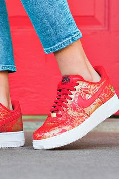 Lunar New Year is the world's biggest celebration, and these AF1's make you part of it. Customize your Air Force 1's in colors and illustrations inspired by the festivity's traditions and symbolism.