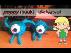 Poppy makes… a crochet Mike Wazowski. In this video tutorial I will explain how you can make this very easy and fast version of an amigurimi figure from the movies Monsters Inc and Monsters University.  Have fun! Poppy maakt… een gehaakte Mike Wazowski. In deze instructie video zal ik je uitleggen hoe deze makkelijke en snelle versie van een gehaakt figuur van de films Monsters & Co en Monsters University kunt maken. Veel plezier!