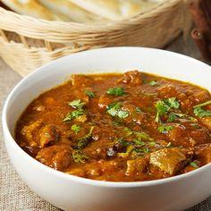 インドでムルグ・マサラと呼ばれるこの料理は、鶏肉をスパイスでじっくり煮込んだ深い味わいが特徴です。日本のカレーとは一味も二味も違う、本場インドのカレーを自宅で作ってみませんか。献立共有アプリ「コンダッテ」で人気があったレシピを詳しくご紹介。 Home Recipes, Indian Food Recipes, Asian Recipes, Cooking Recipes, Healthy Recipes, Rice Dishes, Main Dishes, Curry Stew, Japanese Curry