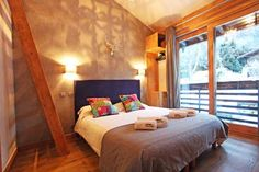 Book quality Chamonix accommodation for your next ski holiday in the Alps. From Chamonix apartments, to large Chamonix chalets, make it a ski holiday to remember.