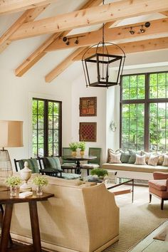⭐Plastered walls and beam ceiling, leaded glass windows & doors...