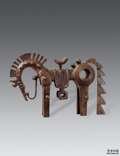 Han Mei Lin/ 韩美林-马行菩萨来 Animal Statues, Animal Sculptures, Horse Sculpture, Bronze Sculpture, Soapstone Carving, Spirited Art, Metal Projects, Horse Art, Tribal Art