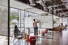 A Look Inside Diageo's Modern Singapore Office – Officelovin' – Modern Corporate Office Design Open Space Office, Creative Office Space, Loft Office, Office Space Design, Modern Office Design, Workspace Design, Office Workspace, Office Interior Design, Office Interiors