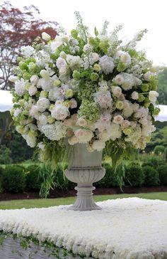 .Abundant white flower arrangement.