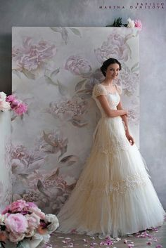 2012 Cap Sleeves Vintage Cinderella Weddiing Dress cute back drop