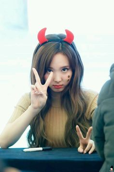Cute little devilll Kpop Girl Groups, Korean Girl Groups, Kpop Girls, K Pop, Cute Girls, Cool Girl, Rapper, The Band, Jihyo Twice