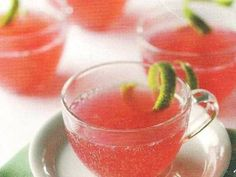 Our Cosmopolitan Punch recipe is a classy and super easy to make beverage. Thi recipe makes about 14 cups in only 10 minutes. Our Cosmopolitan Punch recipe is a classy and super easy to make beverage. Thi recipe makes about 14 cups in only 10 minutes. Fruit Drinks, Party Drinks, Yummy Drinks, Alcoholic Drinks, Beverages, Drinks Alcohol, Alcohol Recipes, Cosmopolitan Drink, Cosmo Cocktail