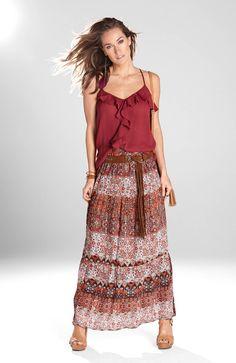 Przepiękna bluzka marki Happy Holly, tkanina z delikatnymi zagnieceniami i ozdobną falbanką http://www.halens.pl/moda-damska-na-gore-bluzki-i-koszule-caa-kolekcja-17983/bluzka-simone-555604?imageId=393827&variantId=555604-0078 + długa spódnica z nadrukiem http://www.halens.pl/moda-damska-na-do-spodnice-5761/spodnica-bianca-549354?variantId=549354-0018&imageid=354712