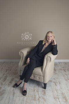 Author Photo | Headshots | Calgary, Alberta | Focus Sisters Photography