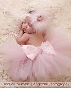 baby-tutu-und-stirnband-set-swarovski-stirnband-bow-tutu-feder-stirnband-tutu-baby-girl-neugeborenes-foto-prop-kostenlose-blume-wrap-geschenk/ - The world's most private search engine Newborn Tutu, Baby Girl Newborn, Baby Girls, Newborn Pictures, Baby Pictures, Newborn Girl Pictures, Family Pictures, Tutu Rose, Pink Tutu