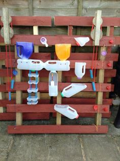 This DIY water wall is a fun activity you can make with your kids. This DIY water wall is a fun activity you can make with your kids. Water Play For Kids, Kids Outdoor Play, Outdoor Play Spaces, Kids Play Area, Outdoor Activities For Kids, Eyfs Outdoor Area, Theme Nature, Sensory Garden, Mud Kitchen