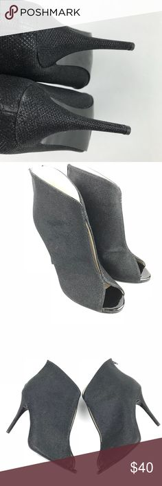 Caparros Pavlova Ankle Boots Heels Sparkles sz 9.5 Preowned Condition   So cute and sexy   Heel measurement 4.5 Inches Caparros Shoes Ankle Boots & Booties