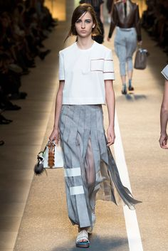 Fendi Spring 2015 Ready-to-Wear - Collection - Gallery - Look 38 -    Le Fevrier  