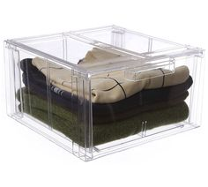 This plastic storage drawer features a size ideal for holding folded garments such as sweaters and pants and a stackable design.